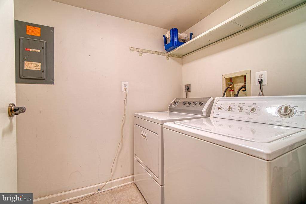 Laundry Room, with utility closet - 10300 BUSHMAN DR #210, OAKTON