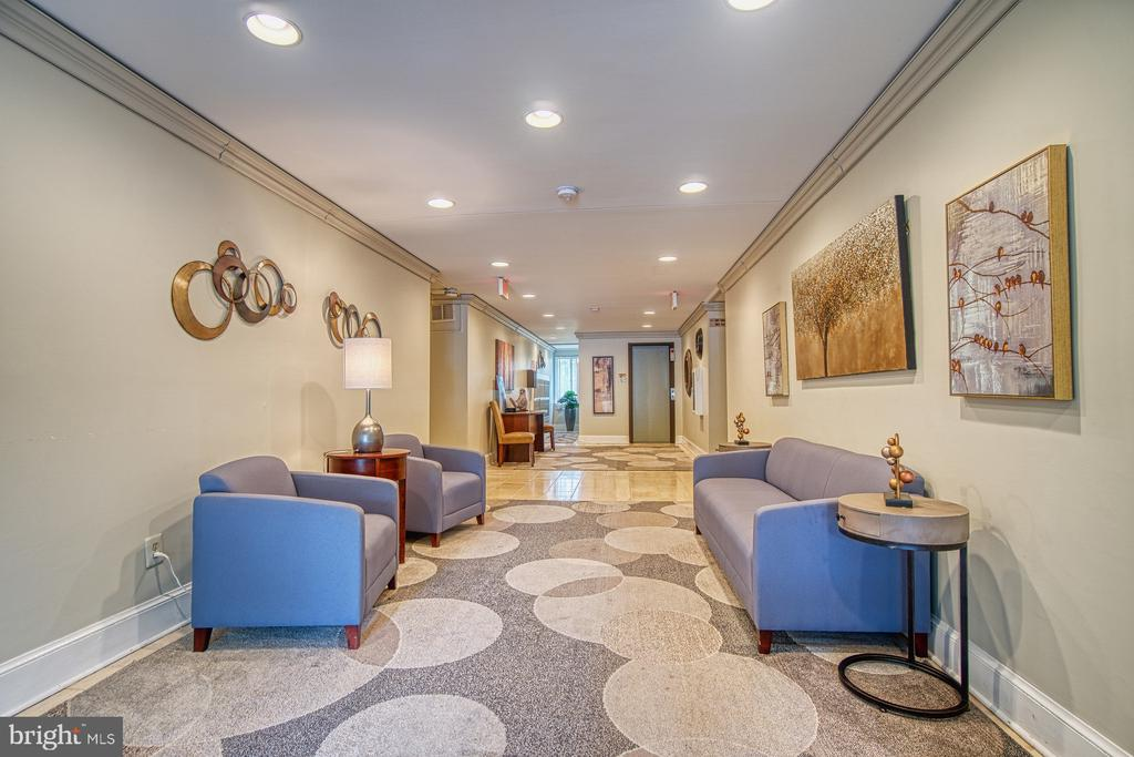Modern Main Lobby, Building Main Entrance / Foyer - 10300 BUSHMAN DR #210, OAKTON