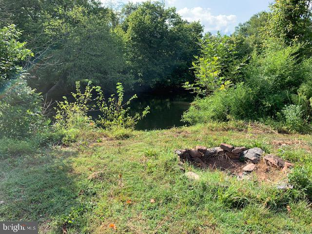 Fire pit at Creek - 9714 BRENTSVILLE RD, MANASSAS