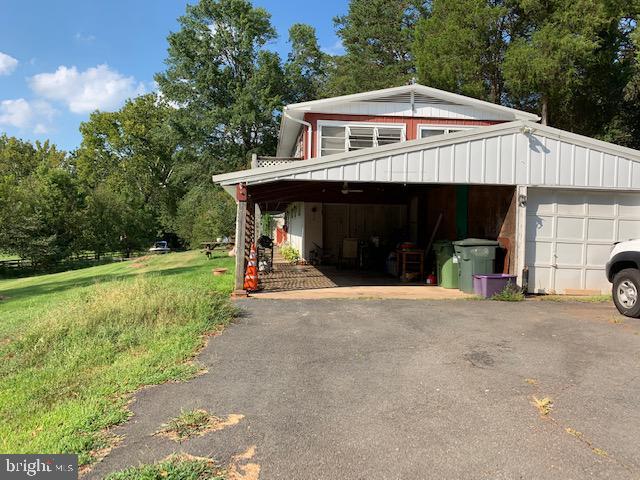 Carport - 9714 BRENTSVILLE RD, MANASSAS