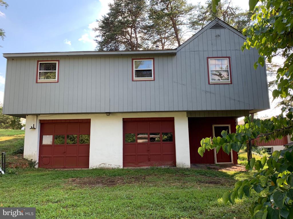Drive under cottage garage - 9714 BRENTSVILLE RD, MANASSAS