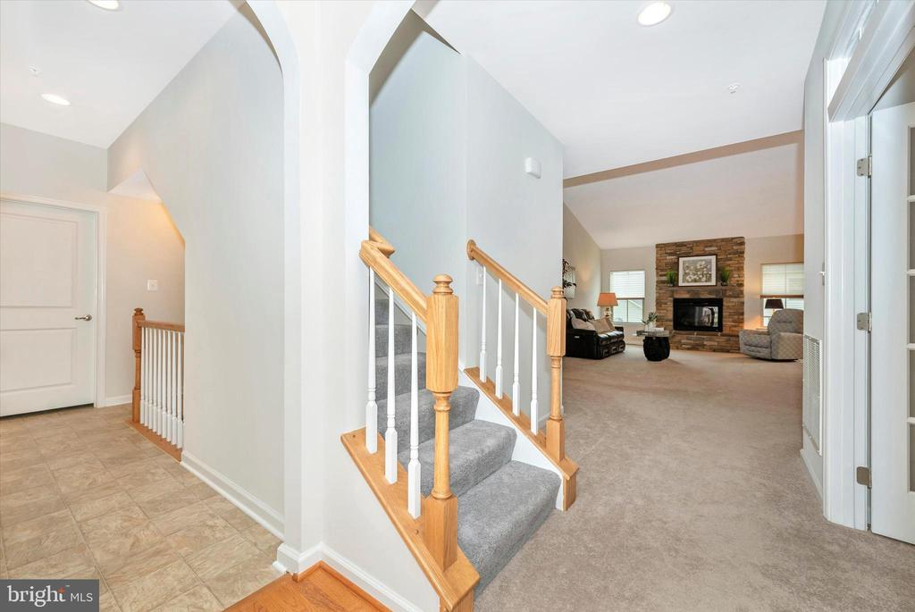 Staircase to 2nd Level  4th Bedroom & Full Bath - 5944 DUVEL ST, IJAMSVILLE