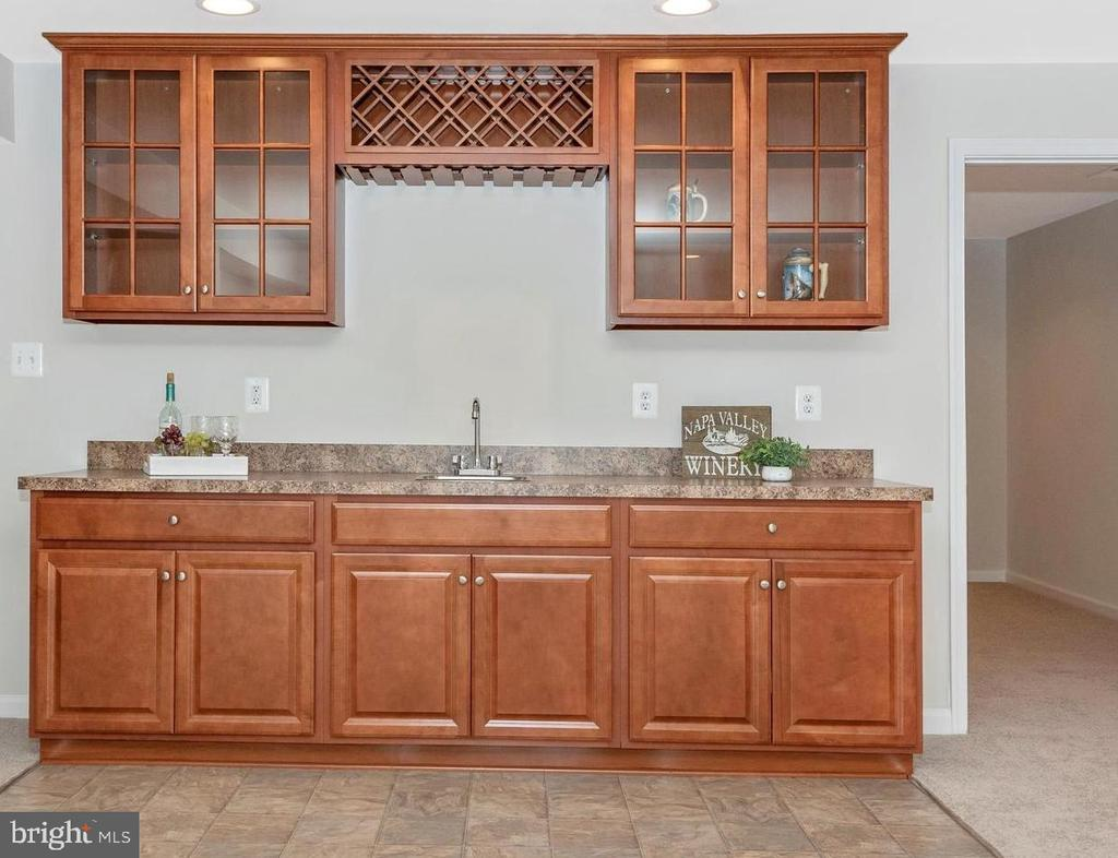 Entertain in Style with Basement Wet Bar - 5944 DUVEL ST, IJAMSVILLE