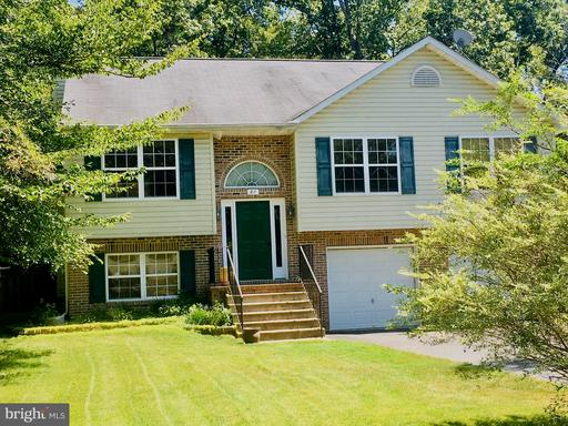 27 BREEZY HILL DR