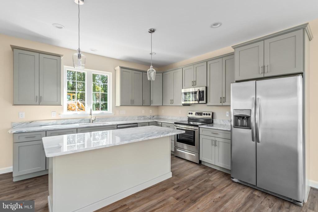 Gray kitchen with island - 173 WHITE OAK ROAD, FREDERICKSBURG