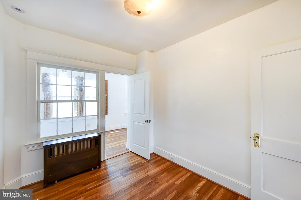 Second Bedroom Connects to Sunroom/Play Area - 1732 HOBART ST NW, WASHINGTON