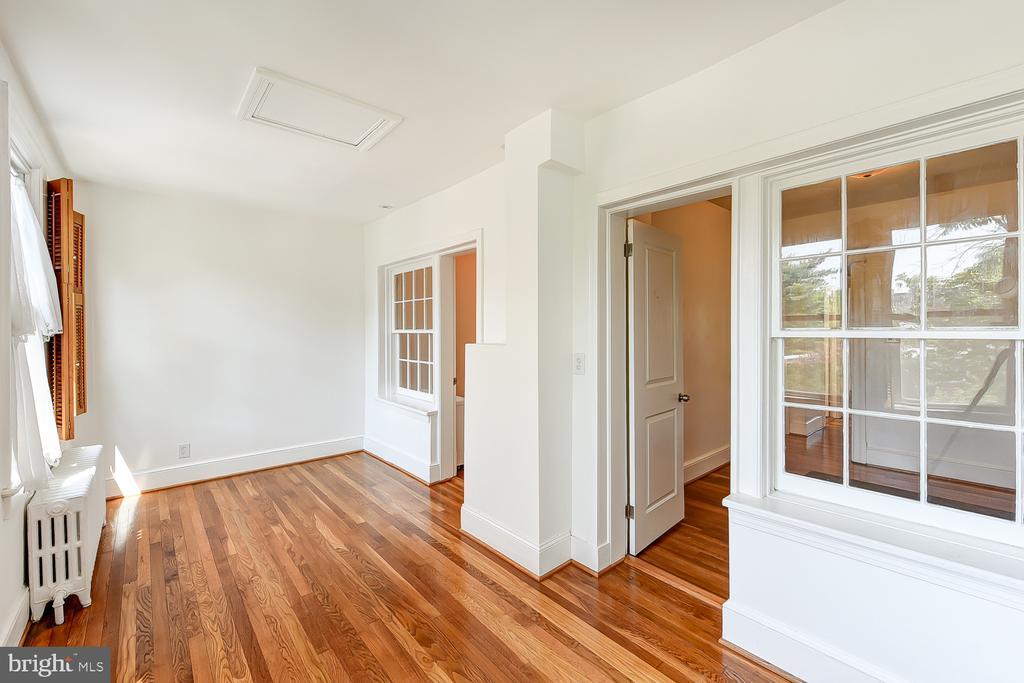 Sunroom/Play Area - 1732 HOBART ST NW, WASHINGTON