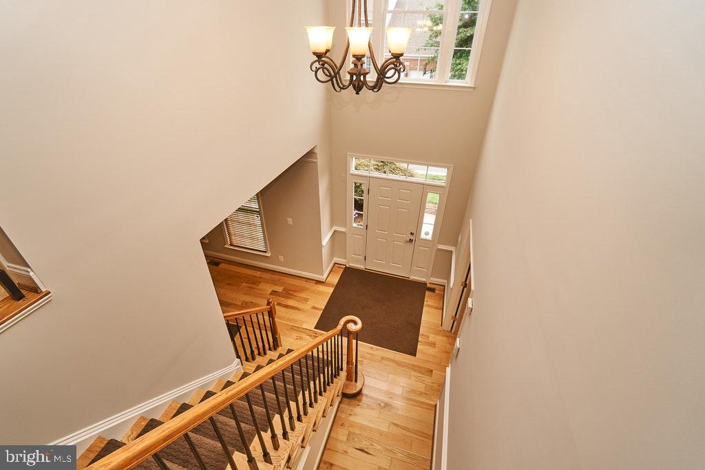 Two story foyer - 47208 MIDDLE BLUFF PL, STERLING