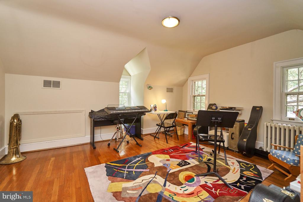 Bedroom 5/Office on UL2 - 1901 N GLEBE RD, ARLINGTON