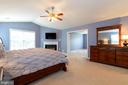 Huge master suite with fireplace & sitting room - 212 WOOD LANDING RD, FREDERICKSBURG