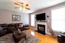 Enjoy cold winters next to the gas fireplace - 212 WOOD LANDING RD, FREDERICKSBURG