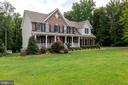 Beautiful landscaping and privacy tree line - 212 WOOD LANDING RD, FREDERICKSBURG