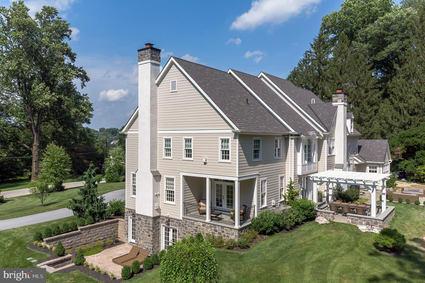 Photo of home for sale at 624 Glendale Road, Newtown Square PA