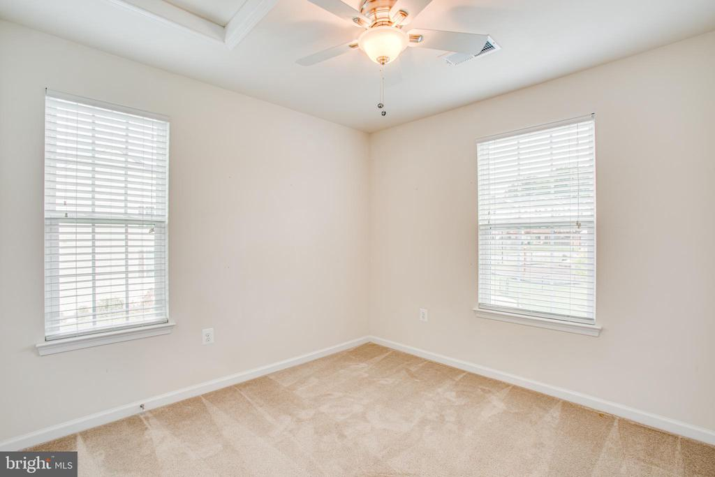 End unit means extra windows and more light! - 4540 ALLIANCE WAY, FREDERICKSBURG