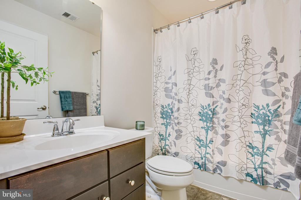 Guest bath - 4540 ALLIANCE WAY, FREDERICKSBURG