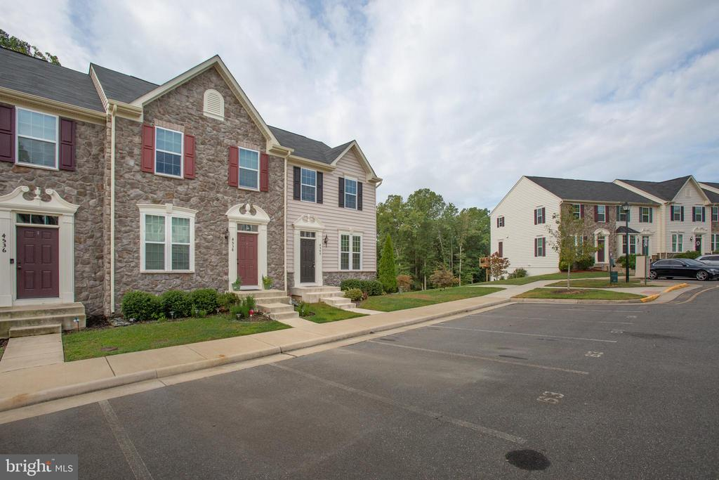 Expansive spacing between blocks of homes - 4540 ALLIANCE WAY, FREDERICKSBURG