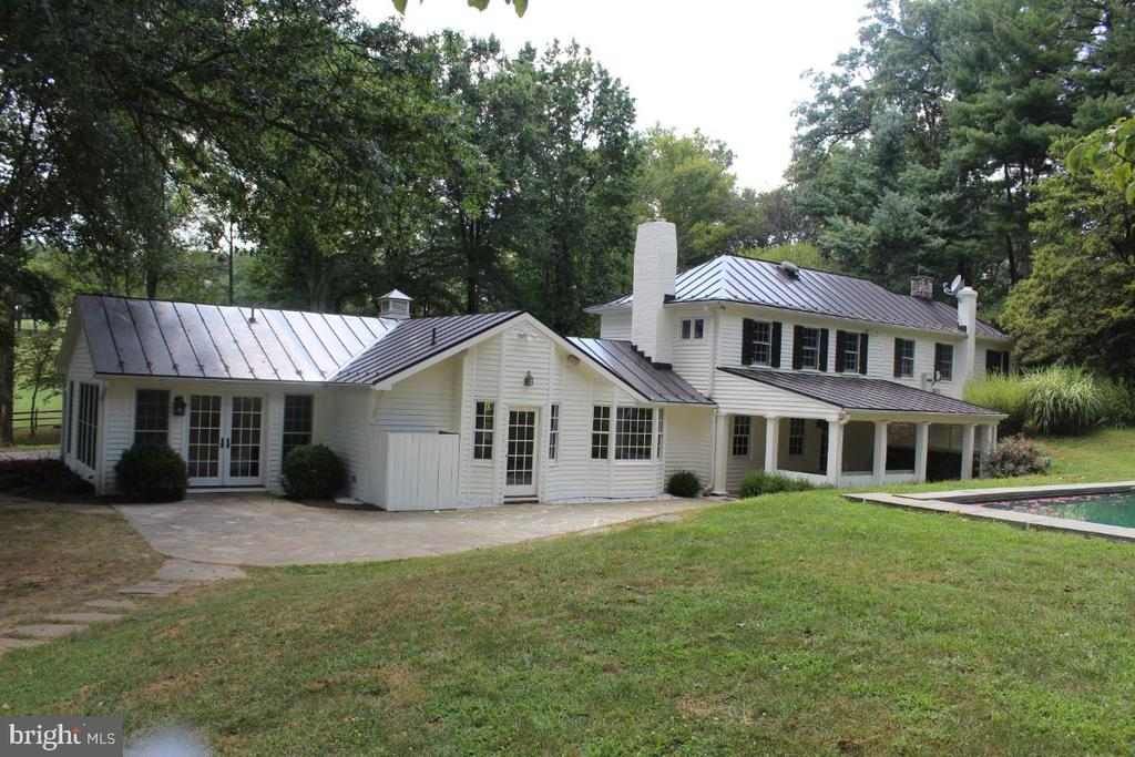 Rear View / Terrace - 22156 POT HOUSE RD, MIDDLEBURG