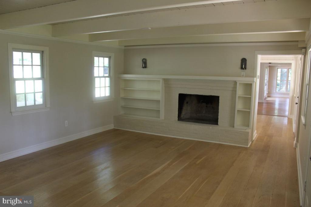 Living Room - 22156 POT HOUSE RD, MIDDLEBURG