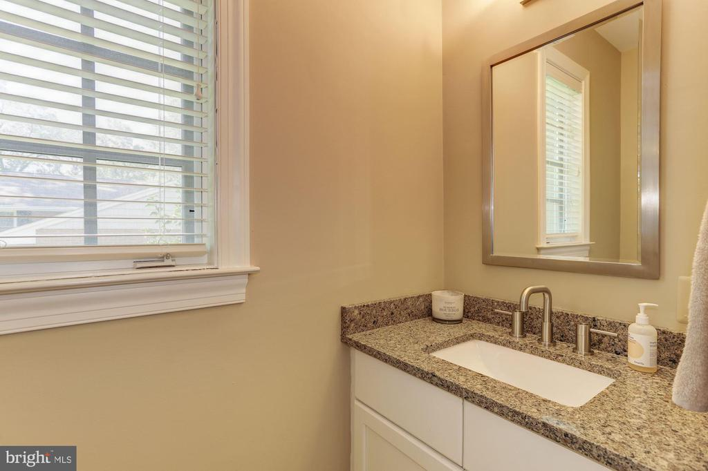 2nd powder room - 14608 CROSSWAY RD, ROCKVILLE