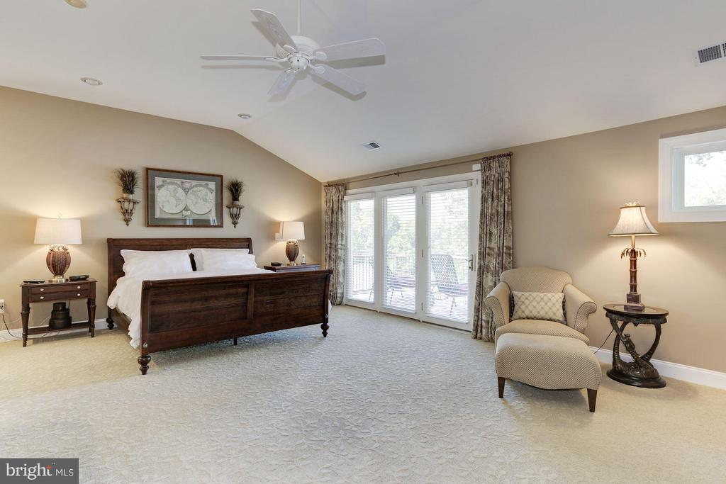 Master bedroom with doors to deck over golf course - 14608 CROSSWAY RD, ROCKVILLE