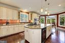 Expansive gourmet kitchen - 14608 CROSSWAY RD, ROCKVILLE