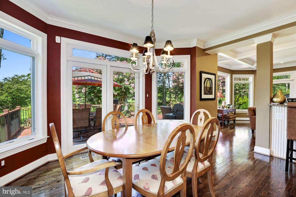 Breakfast room opens to deck - 14608 CROSSWAY RD, ROCKVILLE