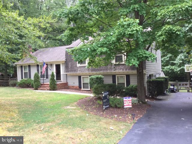 Another view of the front from different angle - 16 LORD FAIRFAX DR, FREDERICKSBURG