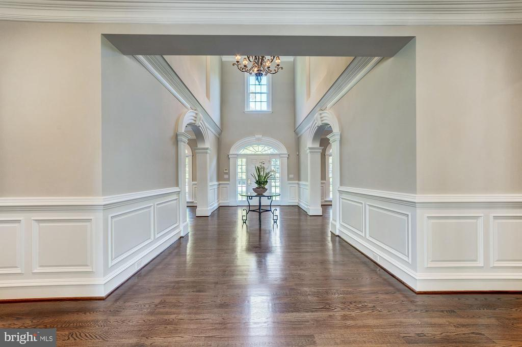 Foyer  with wainscoting - 1353 WOODSIDE DR, MCLEAN