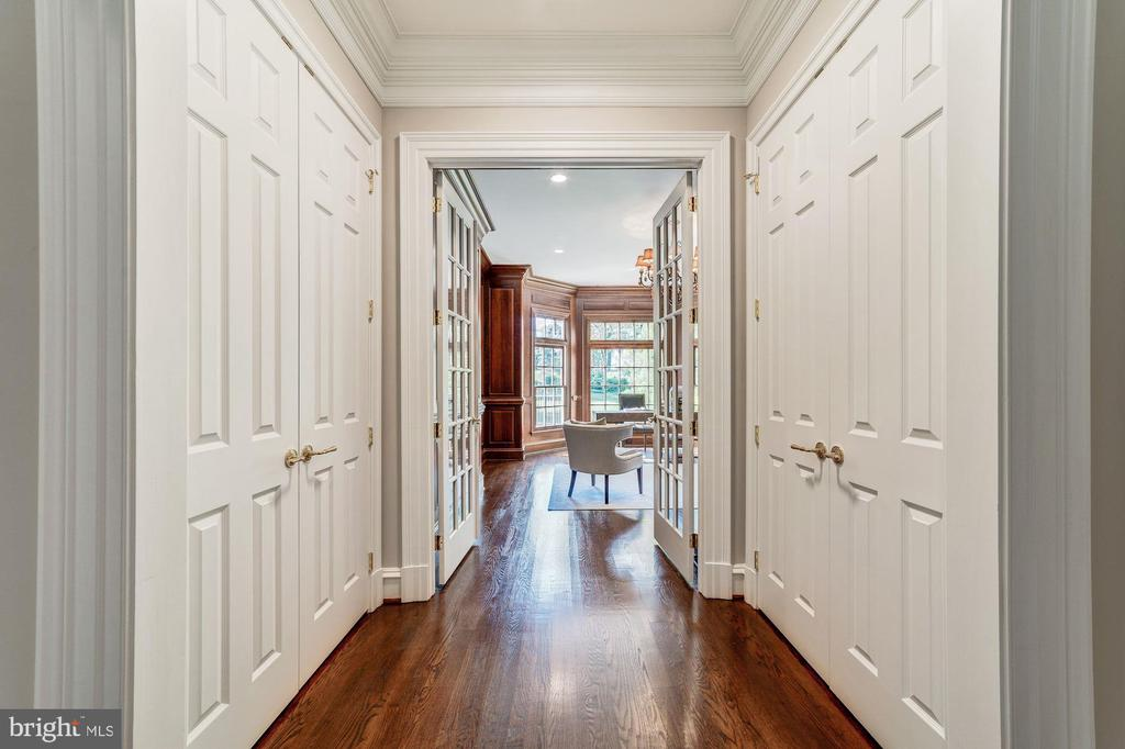 Hall way to office - 1353 WOODSIDE DR, MCLEAN