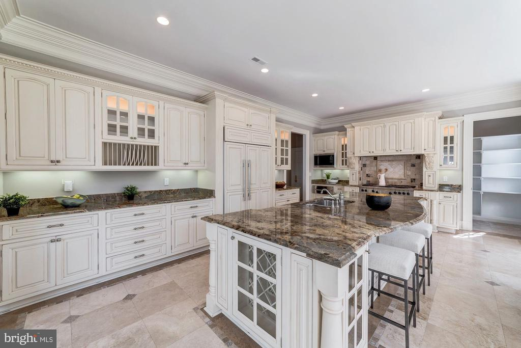 Kitchen with beautiful cabinetry - 1353 WOODSIDE DR, MCLEAN