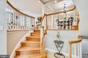 Foyer entrance with circular staircase - 8158 BOSS ST, VIENNA