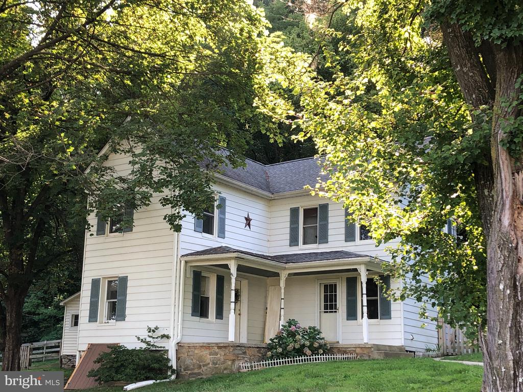Large Front Porch for Relaxing - 6500 MOUNTAIN CHURCH RD, JEFFERSON