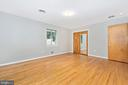 Master Bedroom with mirrored closet. - 610 SCHLEY AVE, FREDERICK