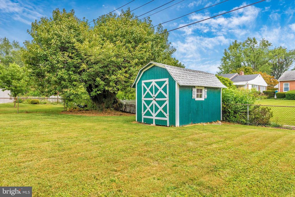 Nice storage shed for mower, tools, etc. - 610 SCHLEY AVE, FREDERICK