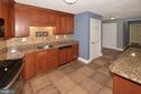 Greensboro kitchen 5th photo - 8340 GREENSBORO DR #814, MCLEAN