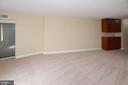 Greensboro master bedroom 2nd photo - 8340 GREENSBORO DR #814, MCLEAN