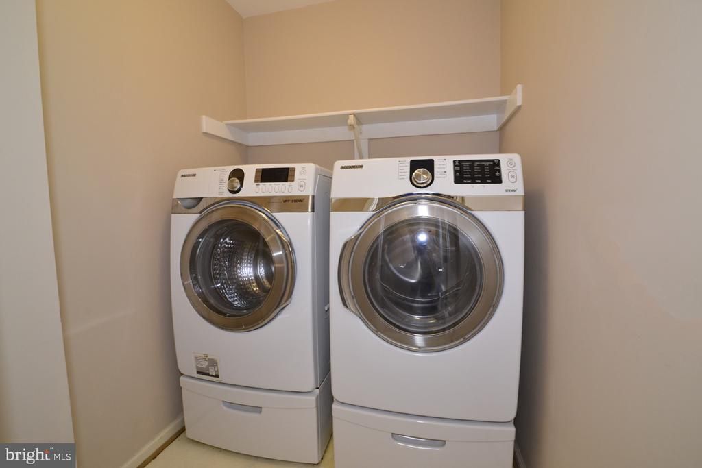 Upstairs laundry, Samsung machines and pedestals - 1308 FEATHERSTONE LN NE, LEESBURG