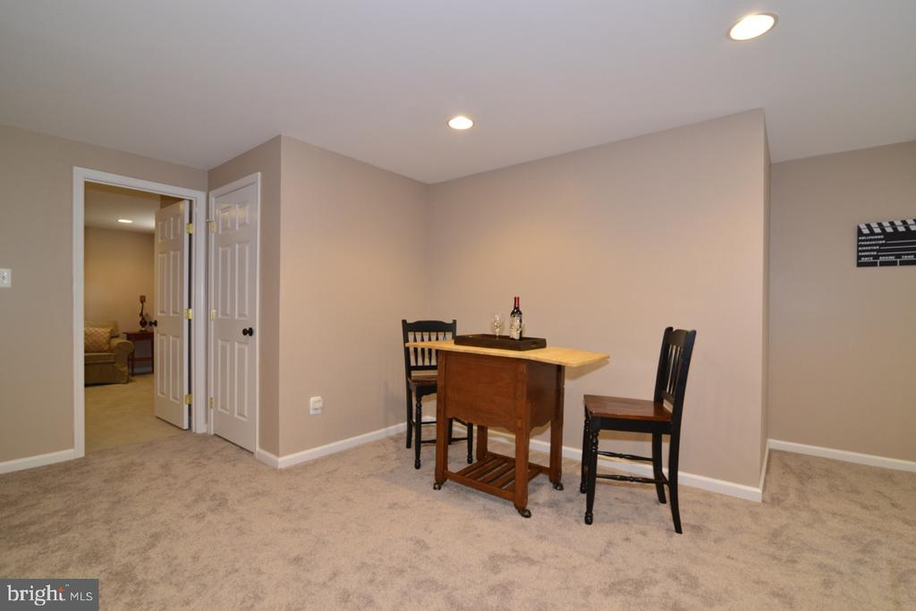 Spacious basement with plenty of recessed lighting - 1308 FEATHERSTONE LN NE, LEESBURG
