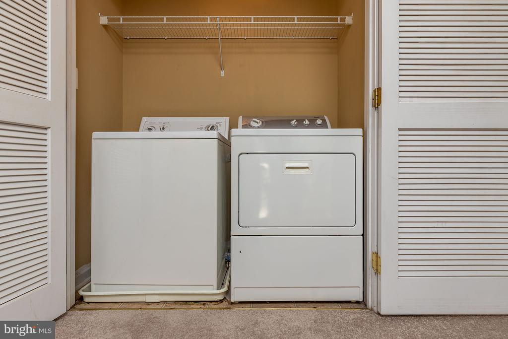 Laundry at Upper Level - 42476 MANDOLIN ST, CHANTILLY