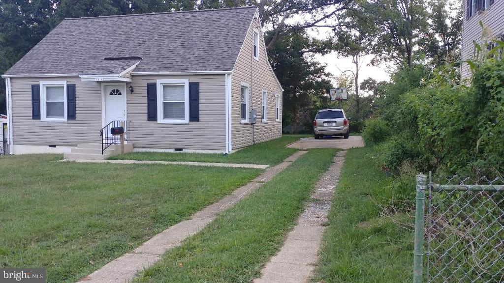 Front picture - 4214 71ST AVE, HYATTSVILLE