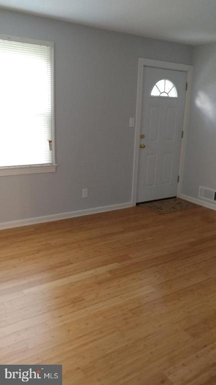 Living room - 4214 71ST AVE, HYATTSVILLE