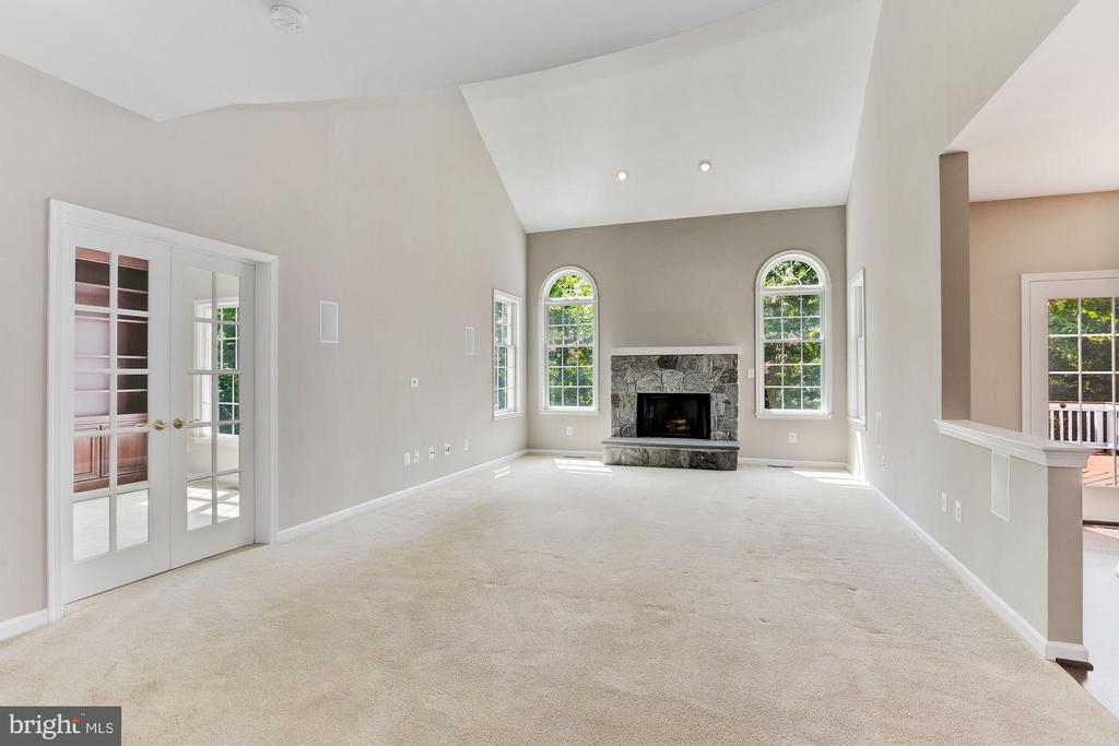 Spacious Family Room - 20141 BLACKWOLF RUN PL, ASHBURN