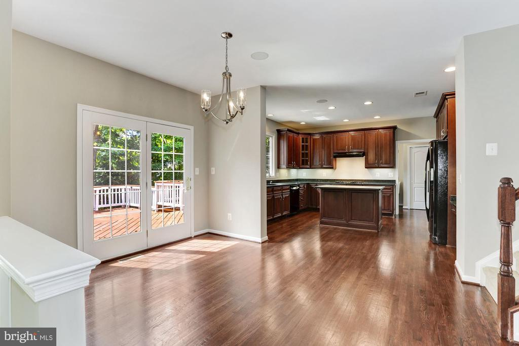 Spacious Kitchen - 20141 BLACKWOLF RUN PL, ASHBURN