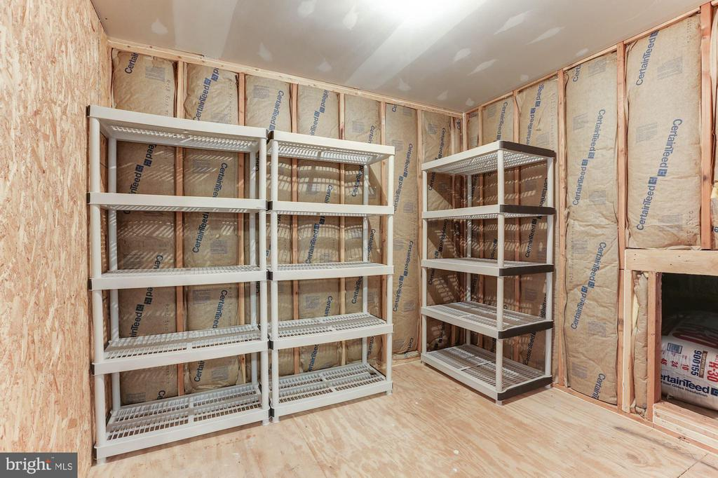 Large Storage Room on Upper Level - 20141 BLACKWOLF RUN PL, ASHBURN