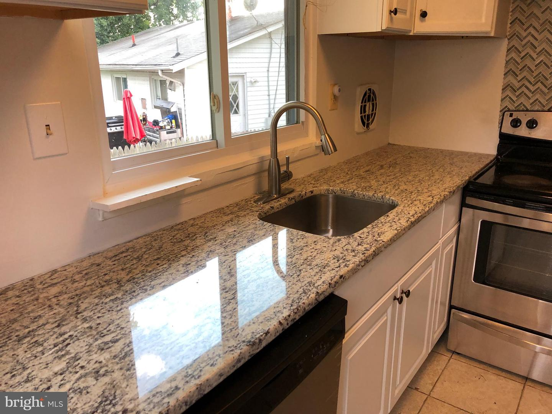 Single Family Homes per Vendita alle ore Adelphi, Maryland 20783 Stati Uniti