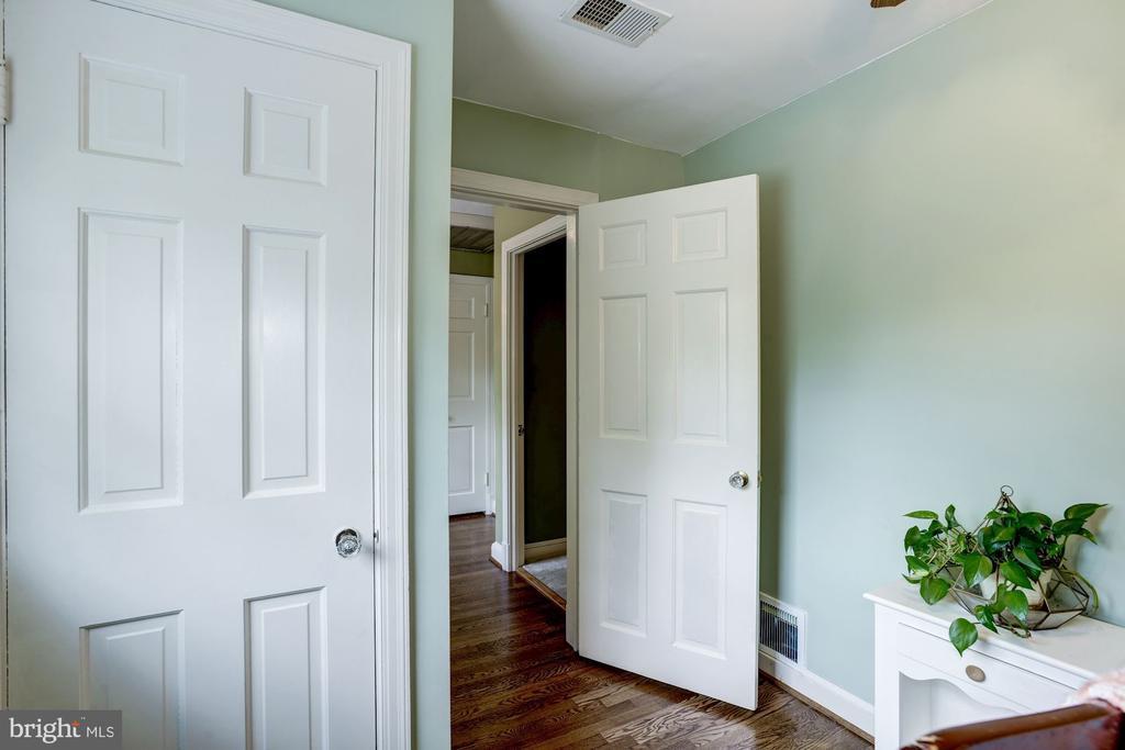 Bedroom upper level - 4838 1ST ST S, ARLINGTON