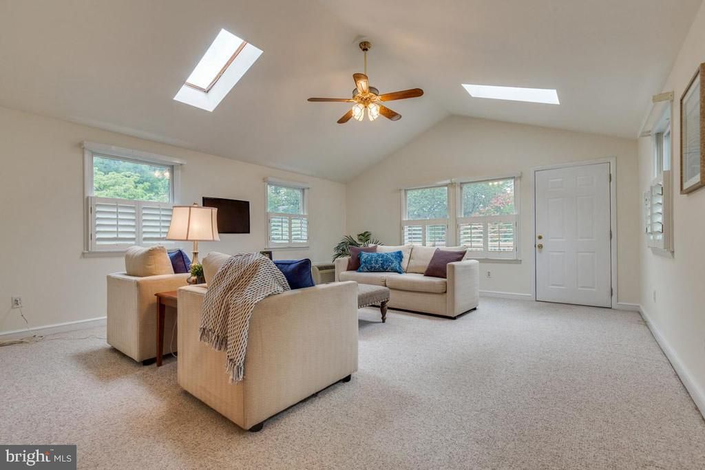 Skylights, windows let natural light pour in. - 10506 NORMAN AVE, FAIRFAX