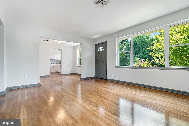 Single Family Homes 為 出售 在 Adelphi, 馬里蘭州 20783 美國
