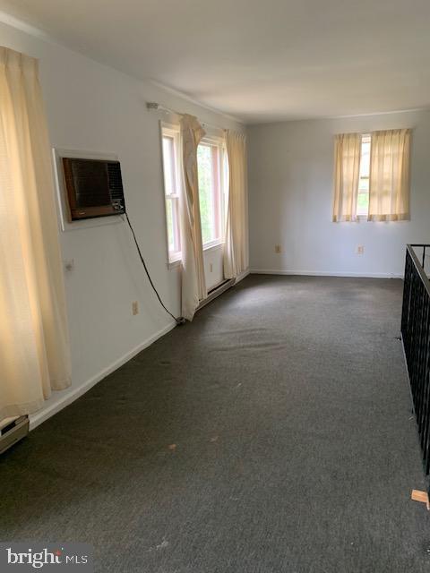 Cottage Living Room - 9714 BRENTSVILLE RD, MANASSAS