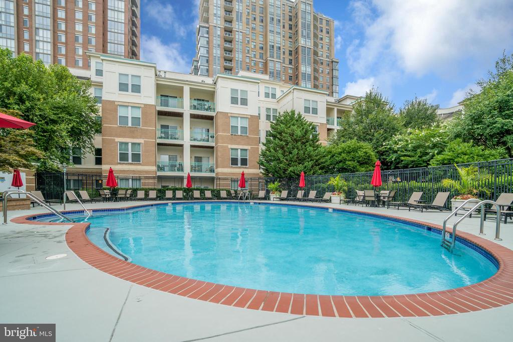 Fantastic Pool area - 12000 MARKET ST #254, RESTON
